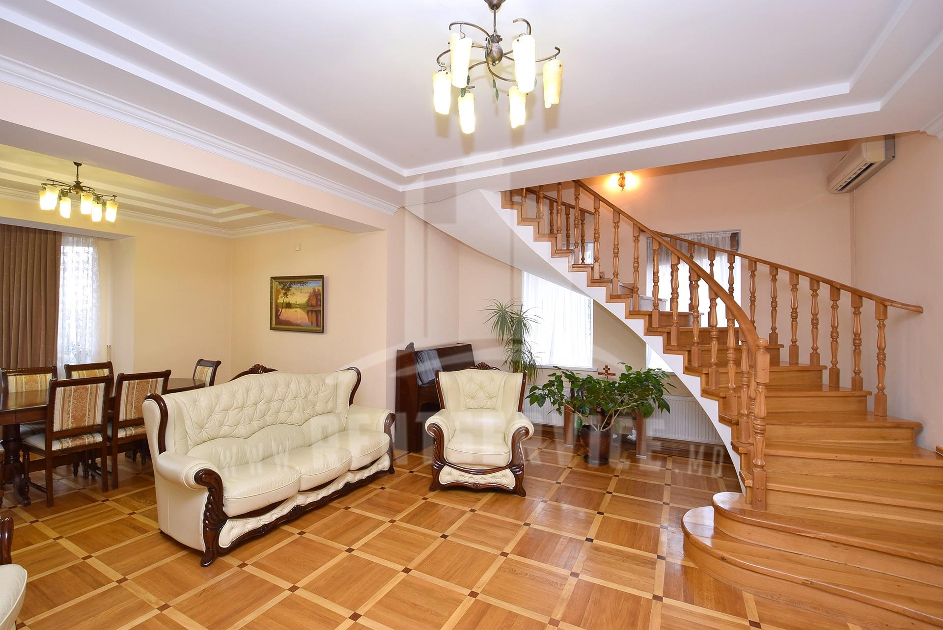 131_house_2.jpg