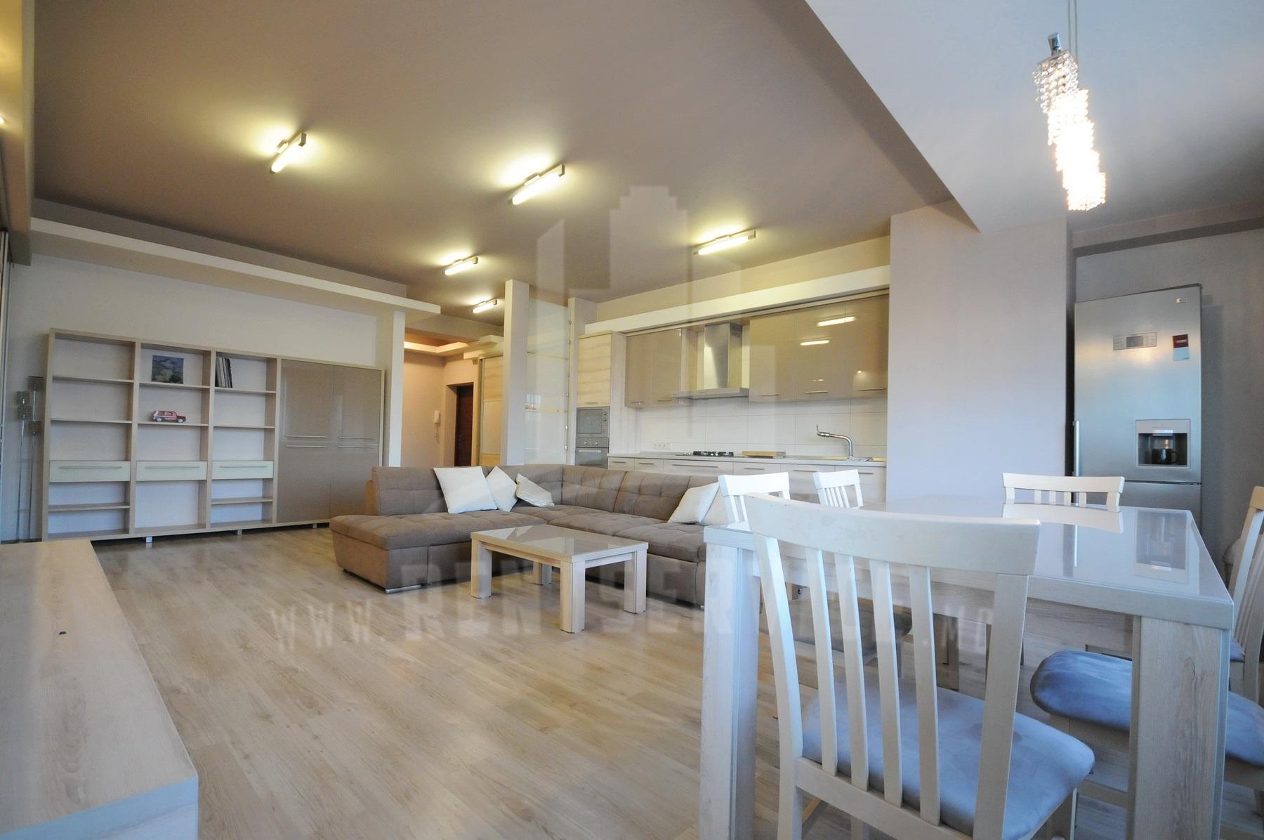 2015_apartment_4.JPG