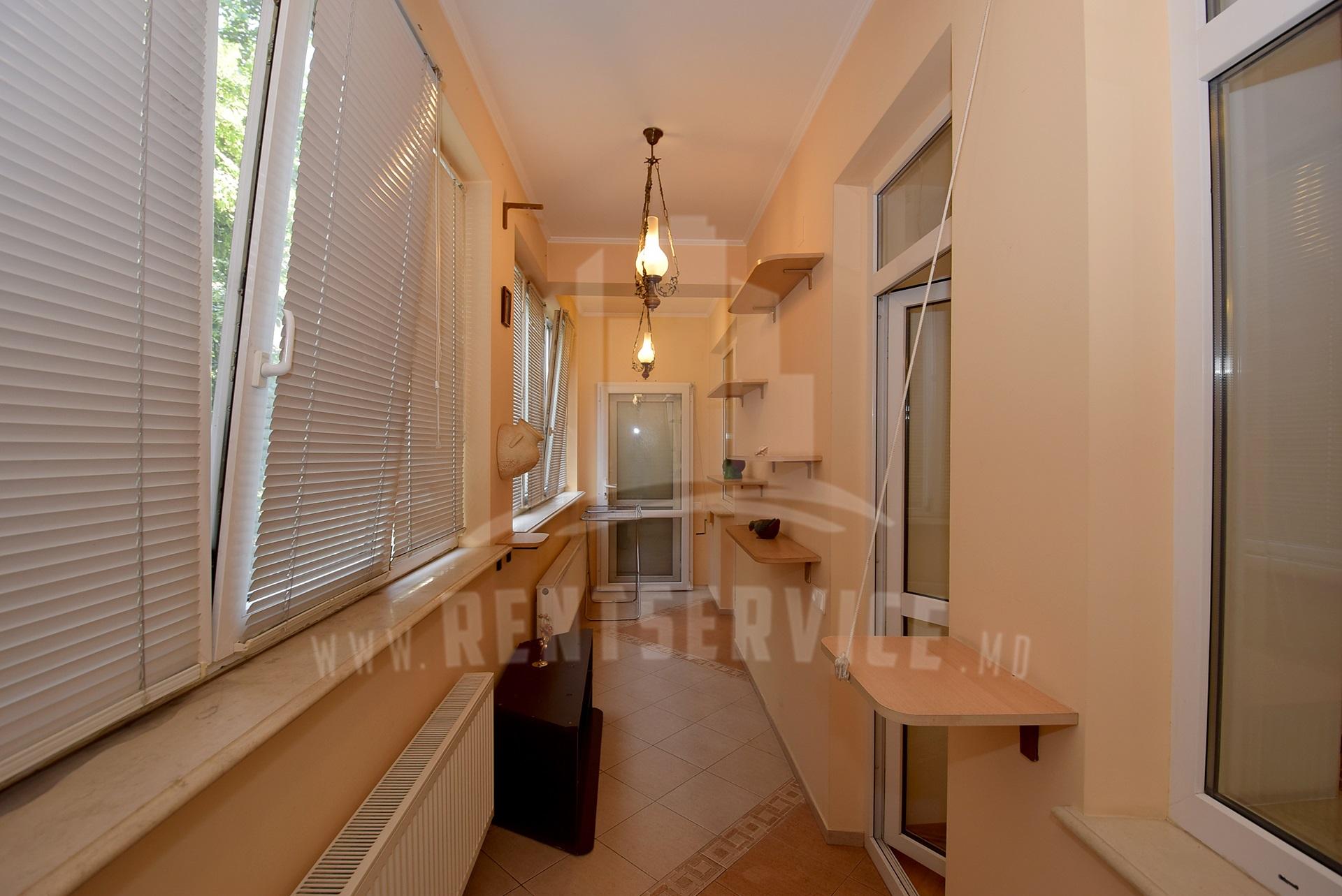 2040_apartment_10.JPG