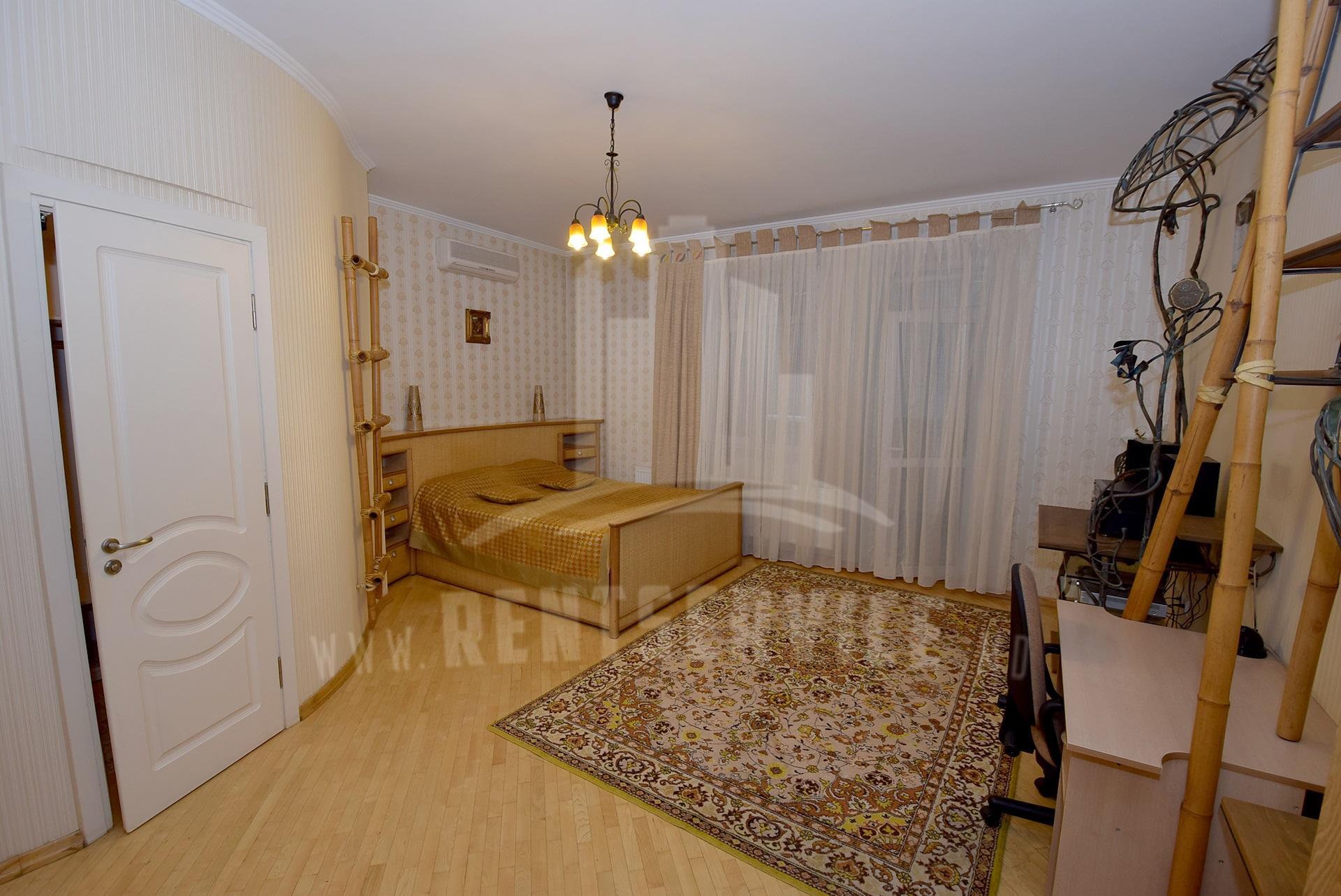 2040_apartment_14.JPG