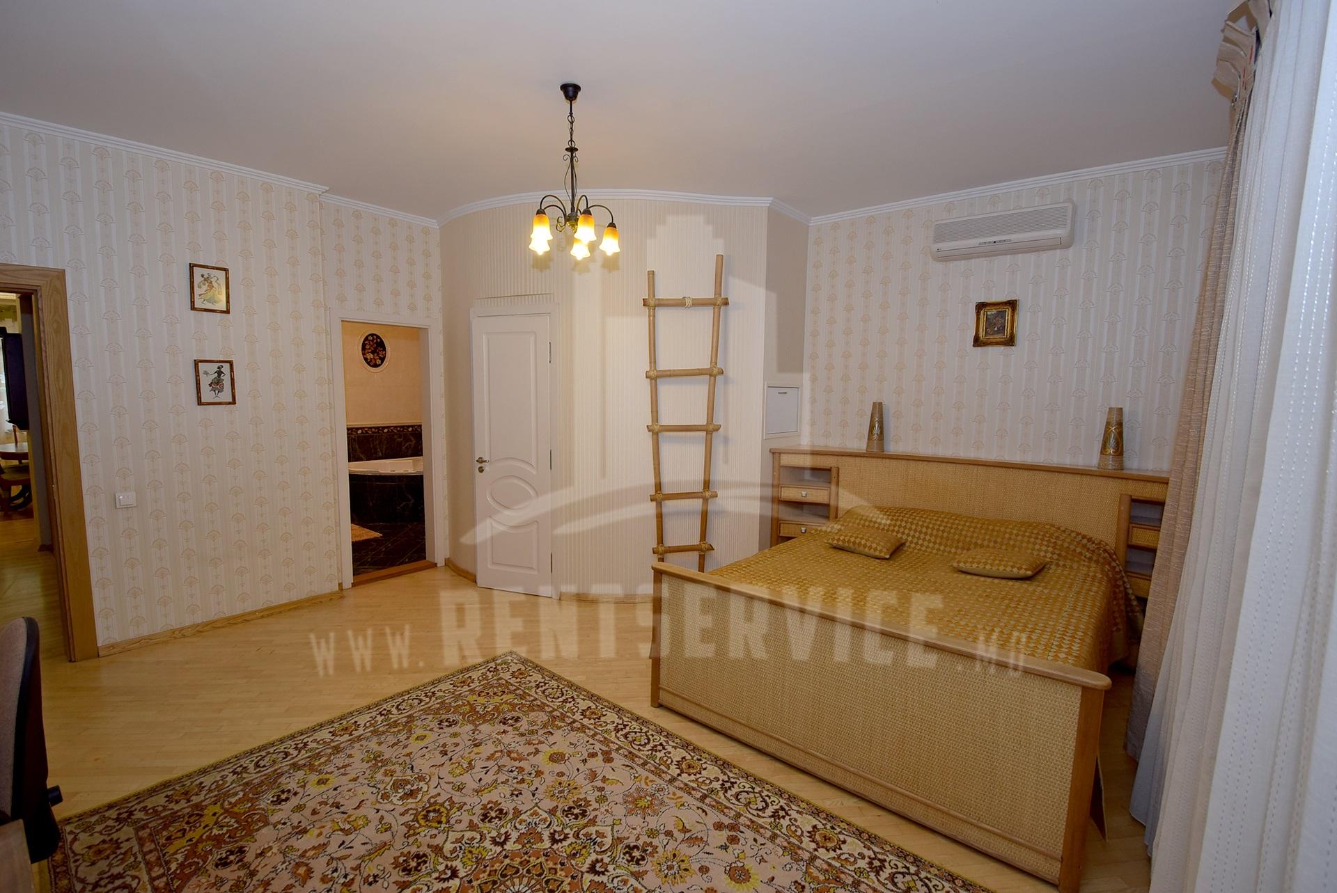 2040_apartment_15.JPG