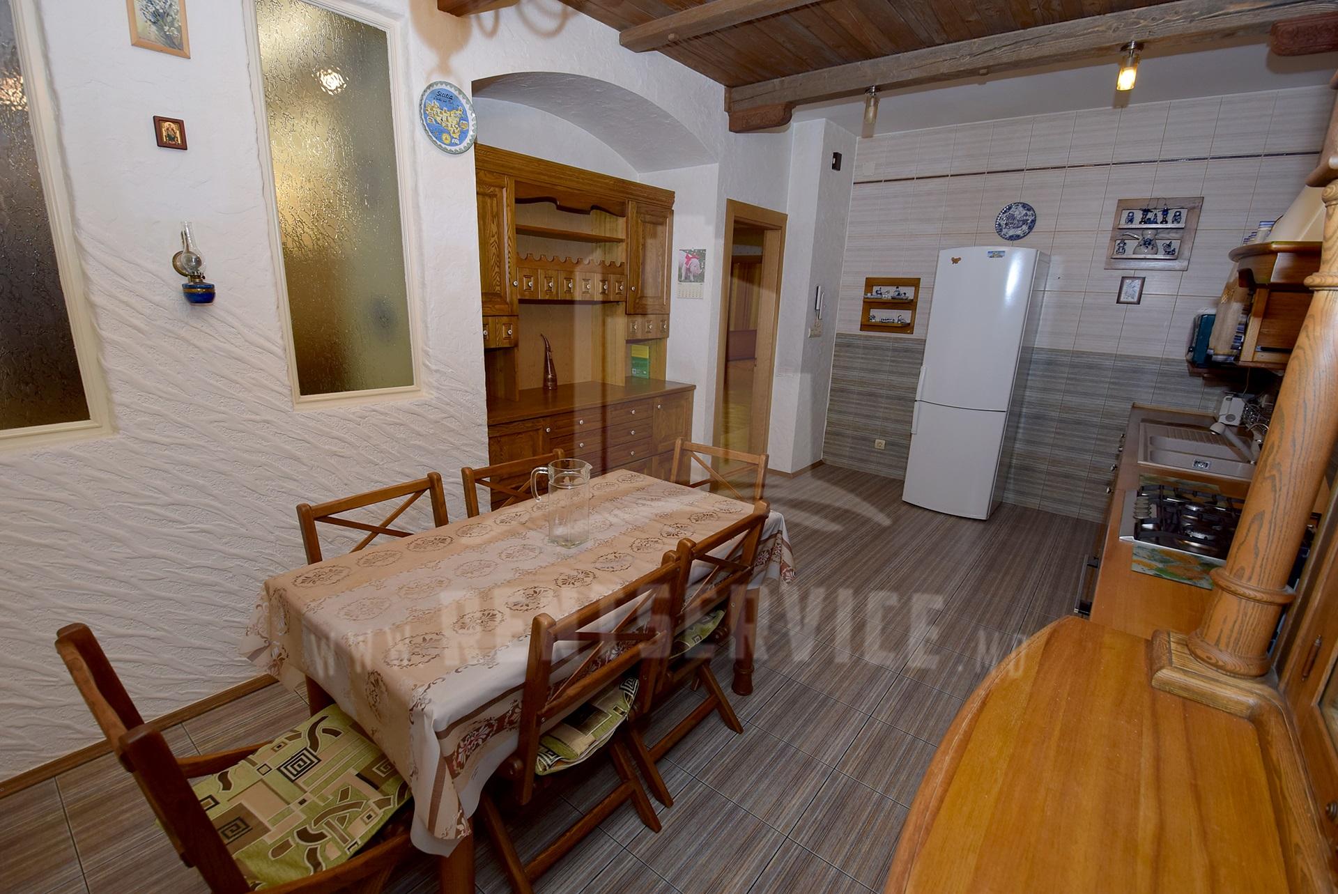2040_apartment_8.JPG