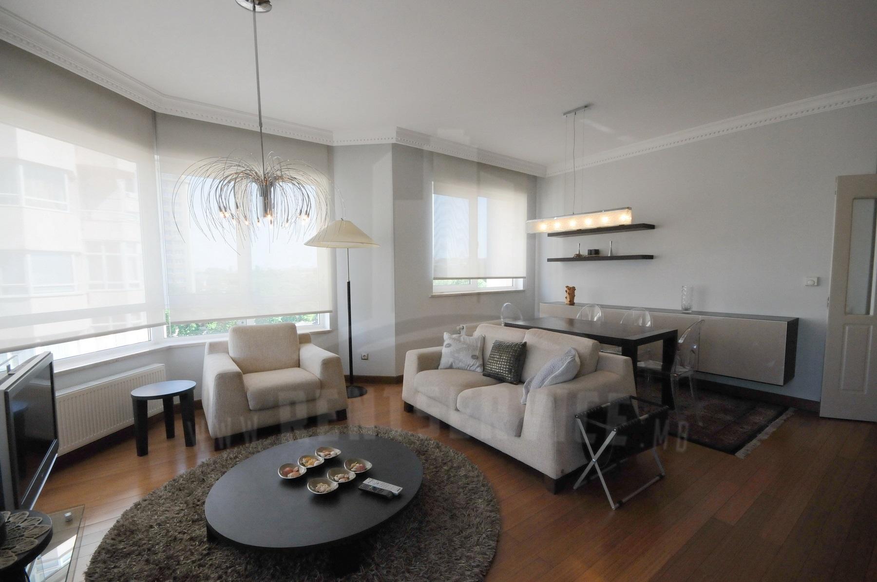 2054_apartment_1.JPG