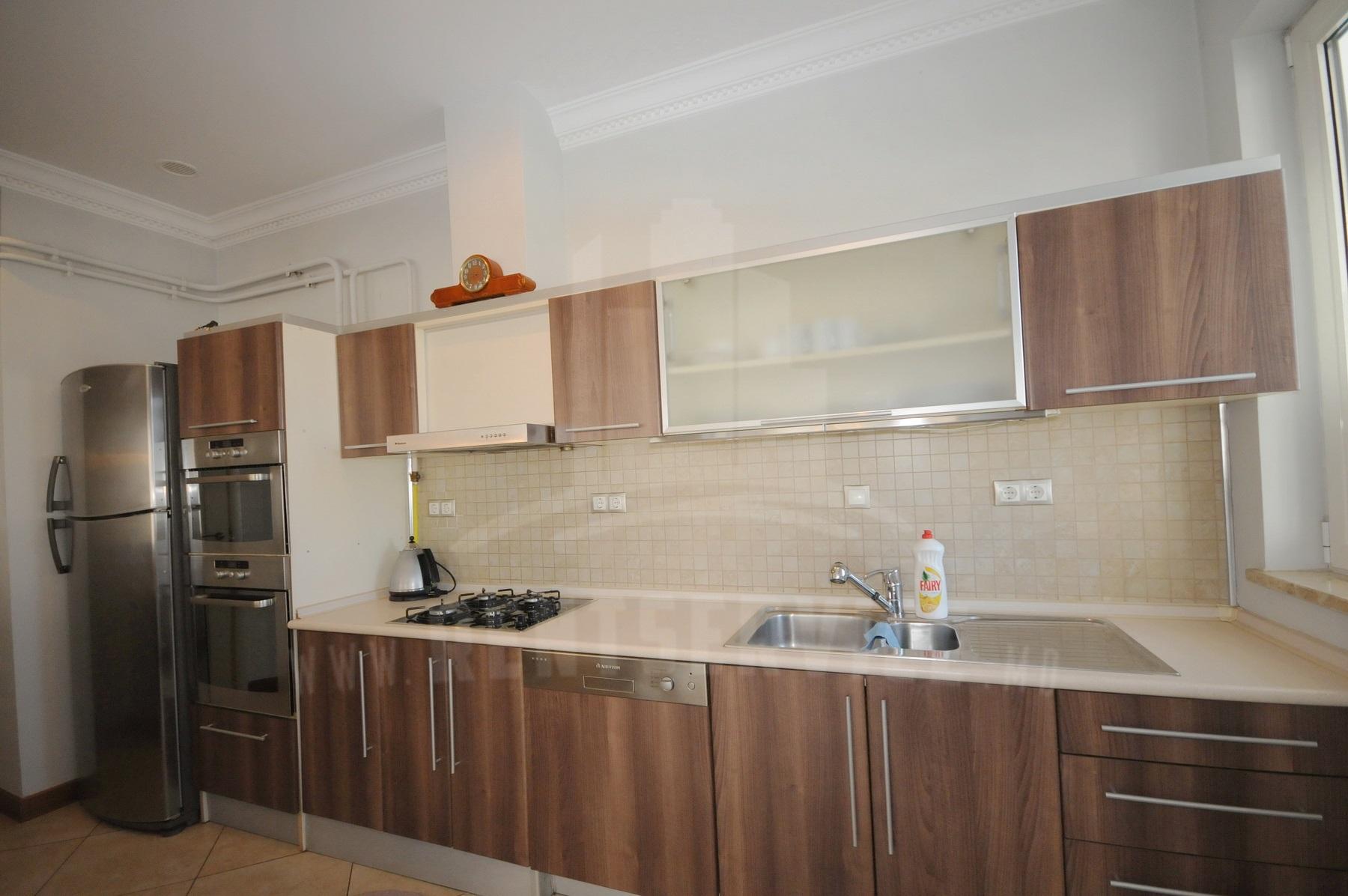 2054_apartment_10.JPG