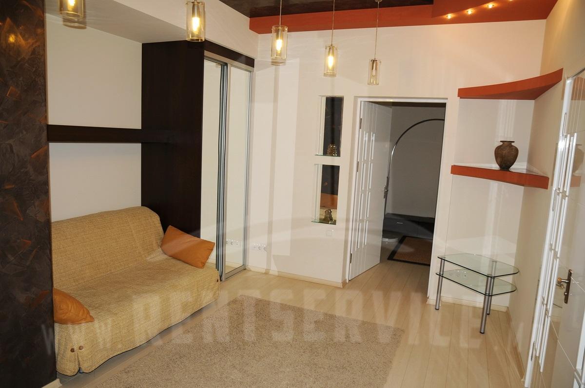 2062_apartment_14.JPG
