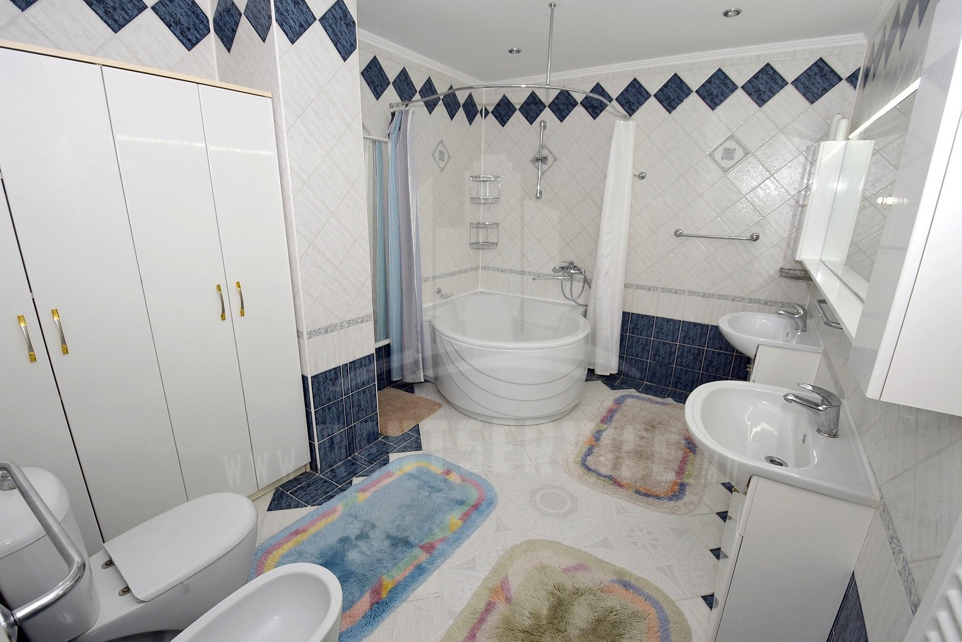 2064_apartment_10.jpg
