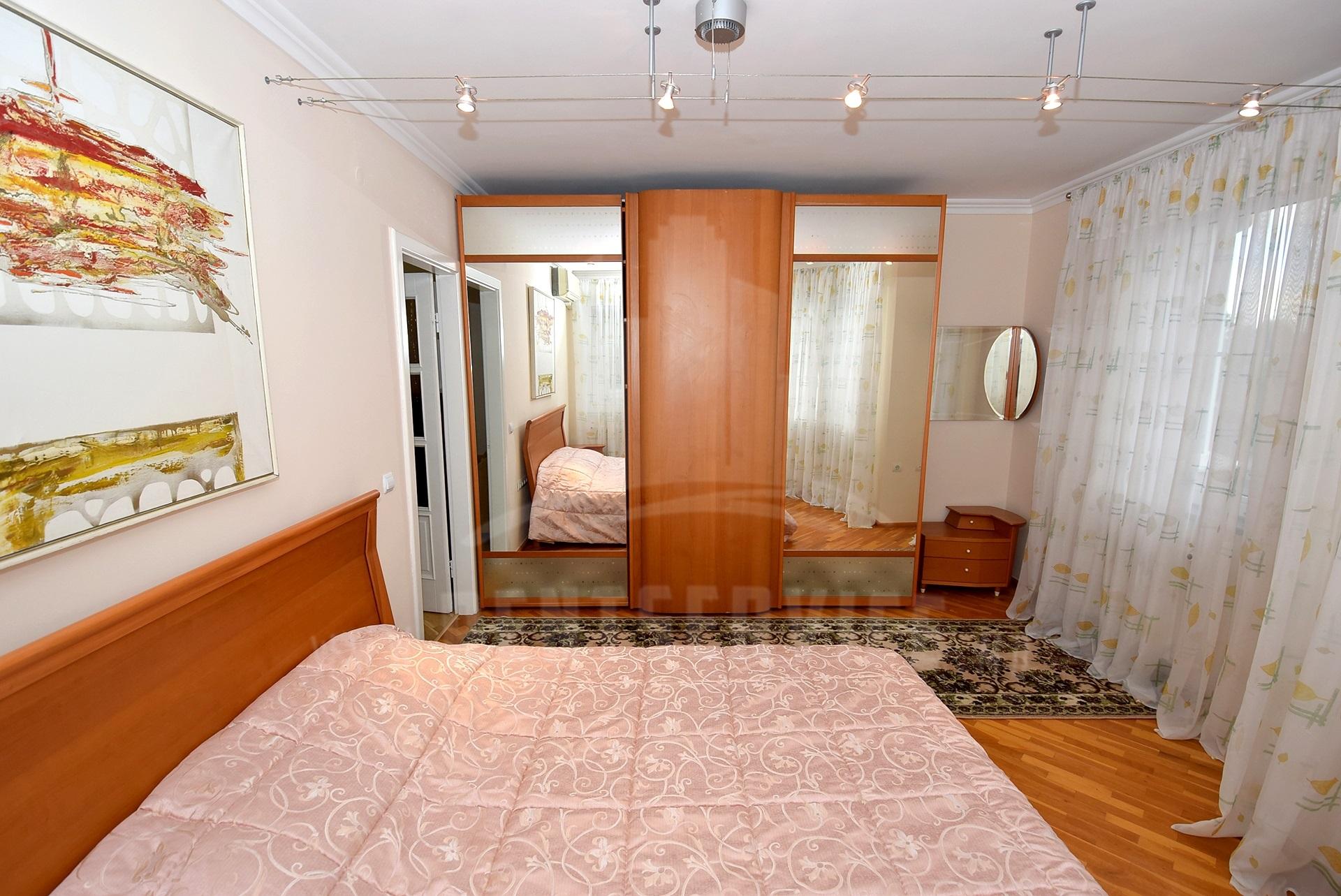 2064_apartment_12.jpg