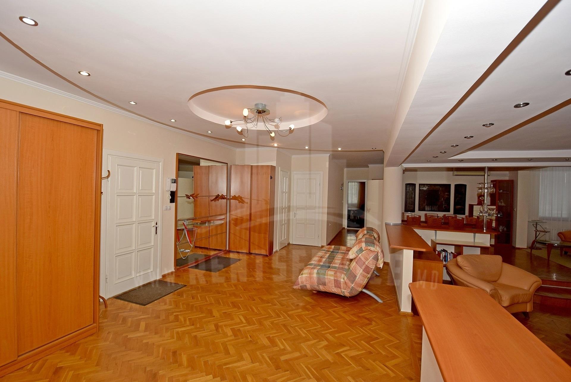 2064_apartment_19.jpg