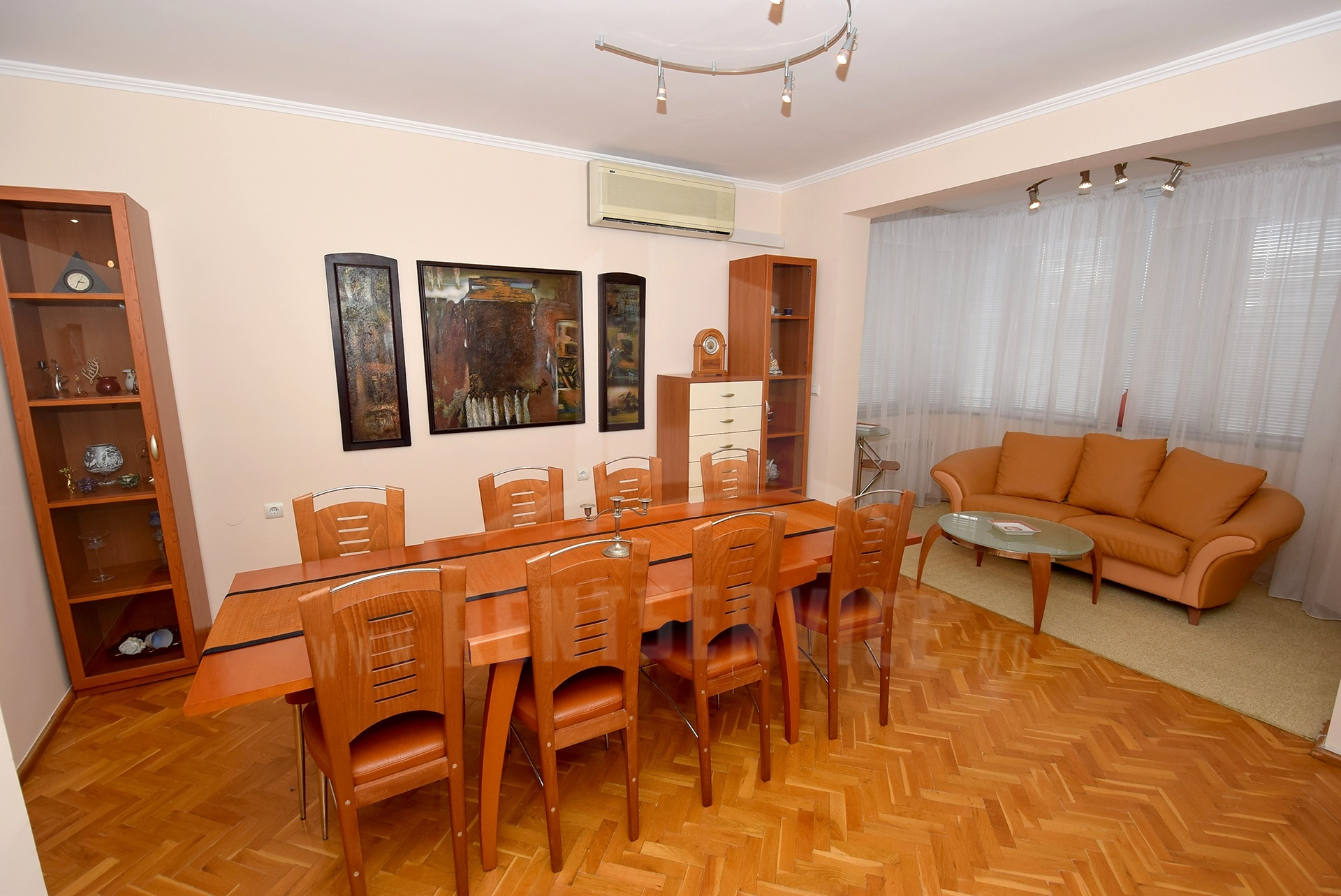 2064_apartment_8.jpg