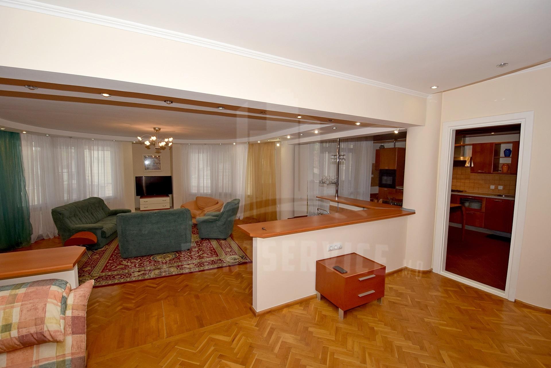 2064_apartment_front.jpg