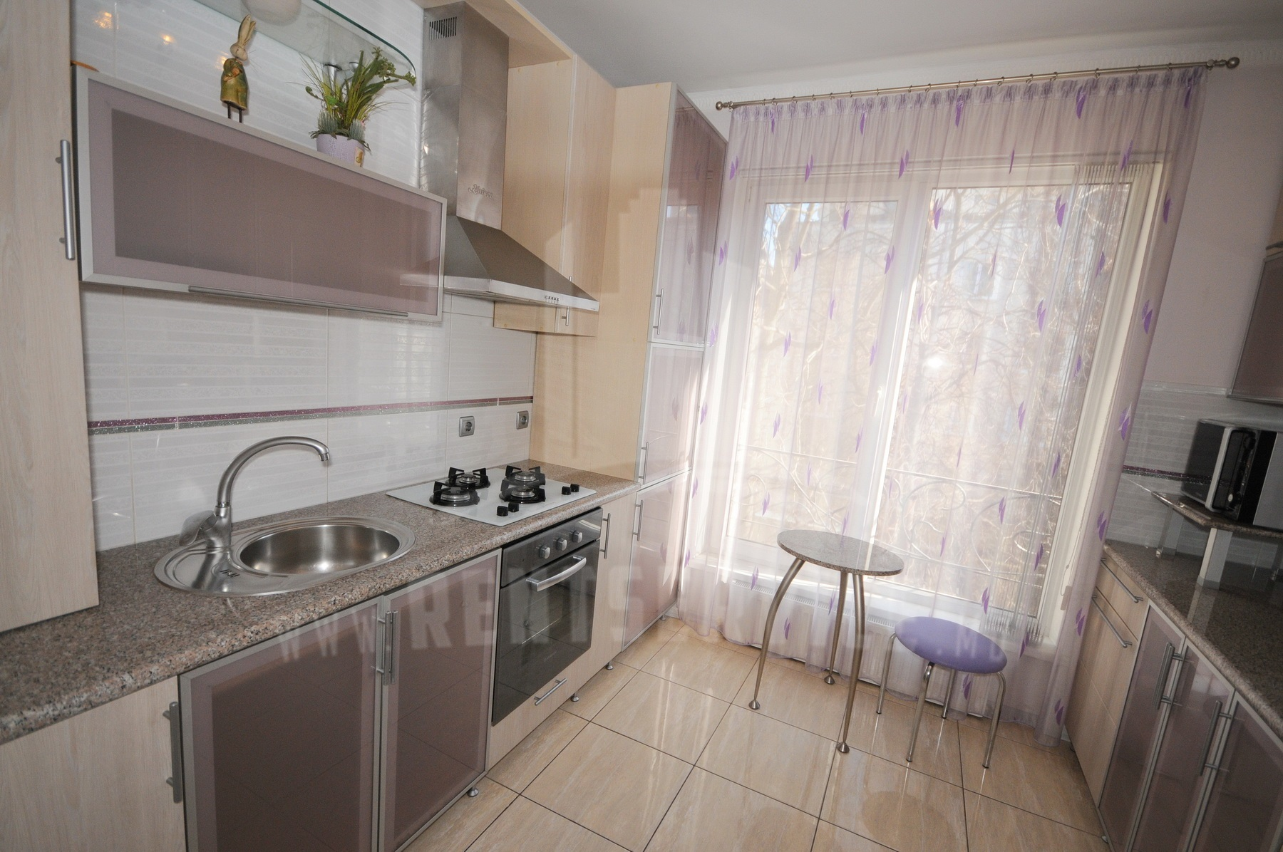 210_apartment_6.JPG