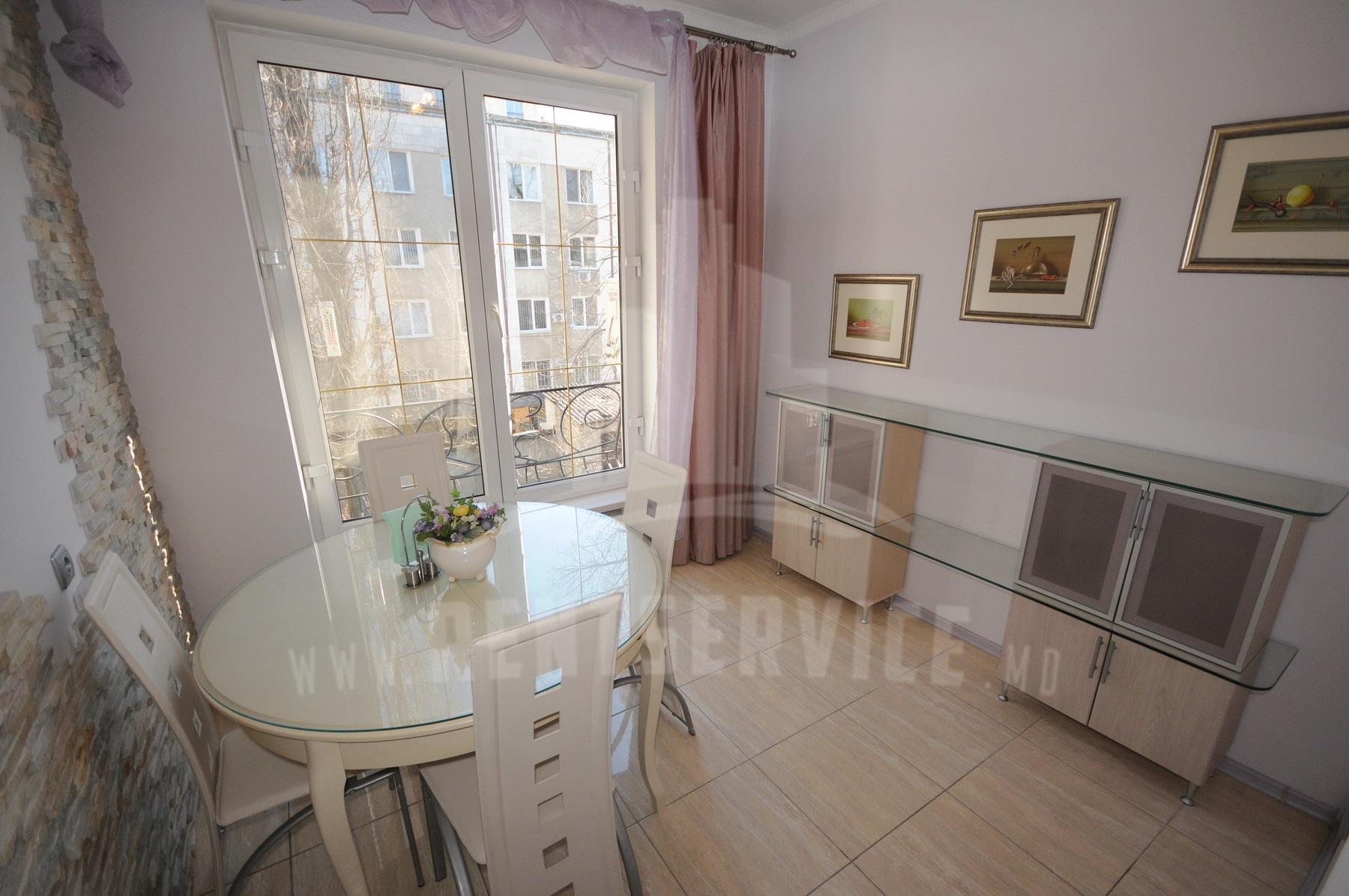 210_apartment_9.JPG
