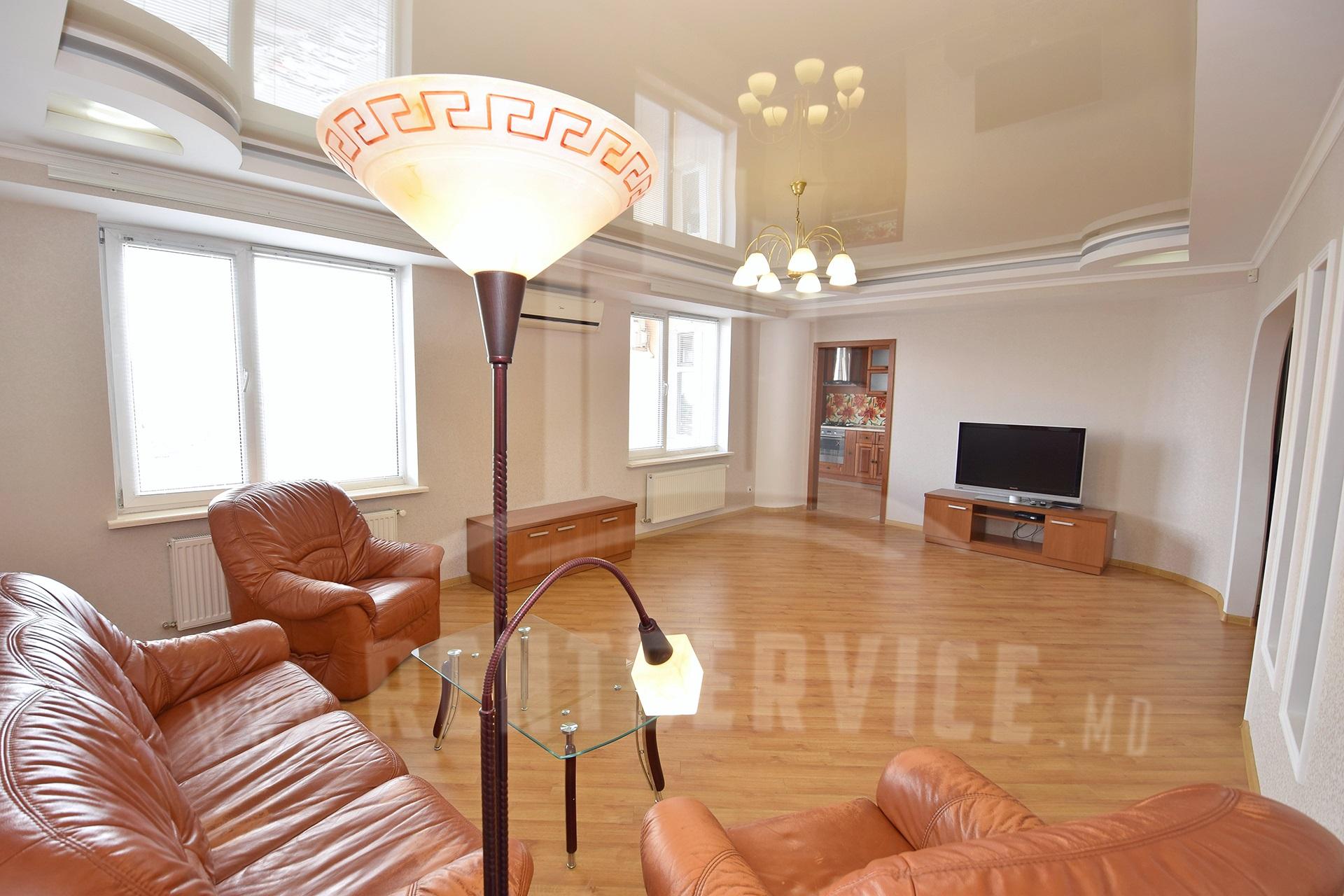 211_apartment_1.JPG