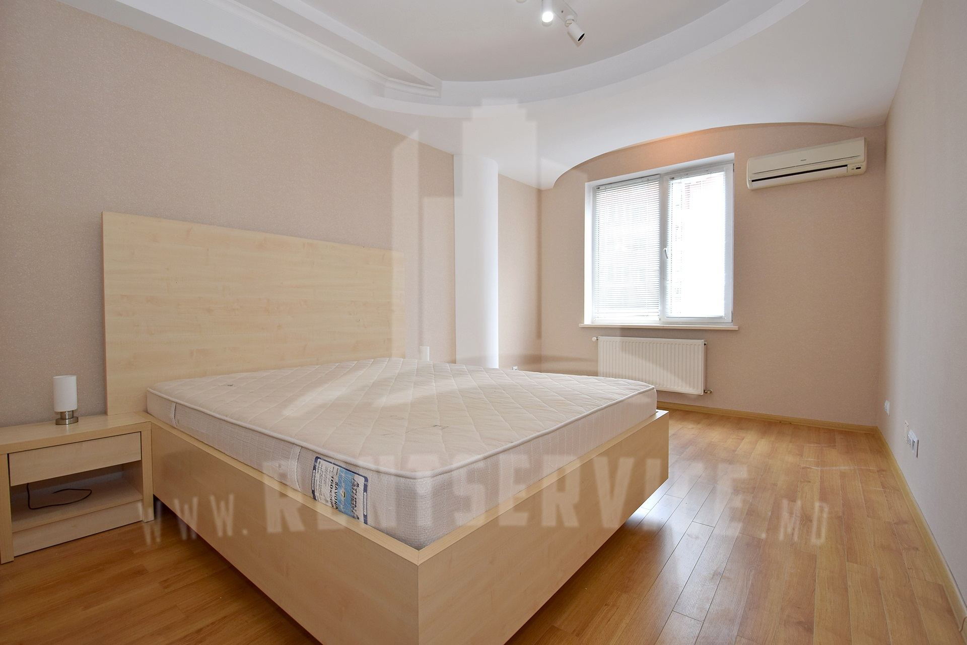 211_apartment_10.JPG