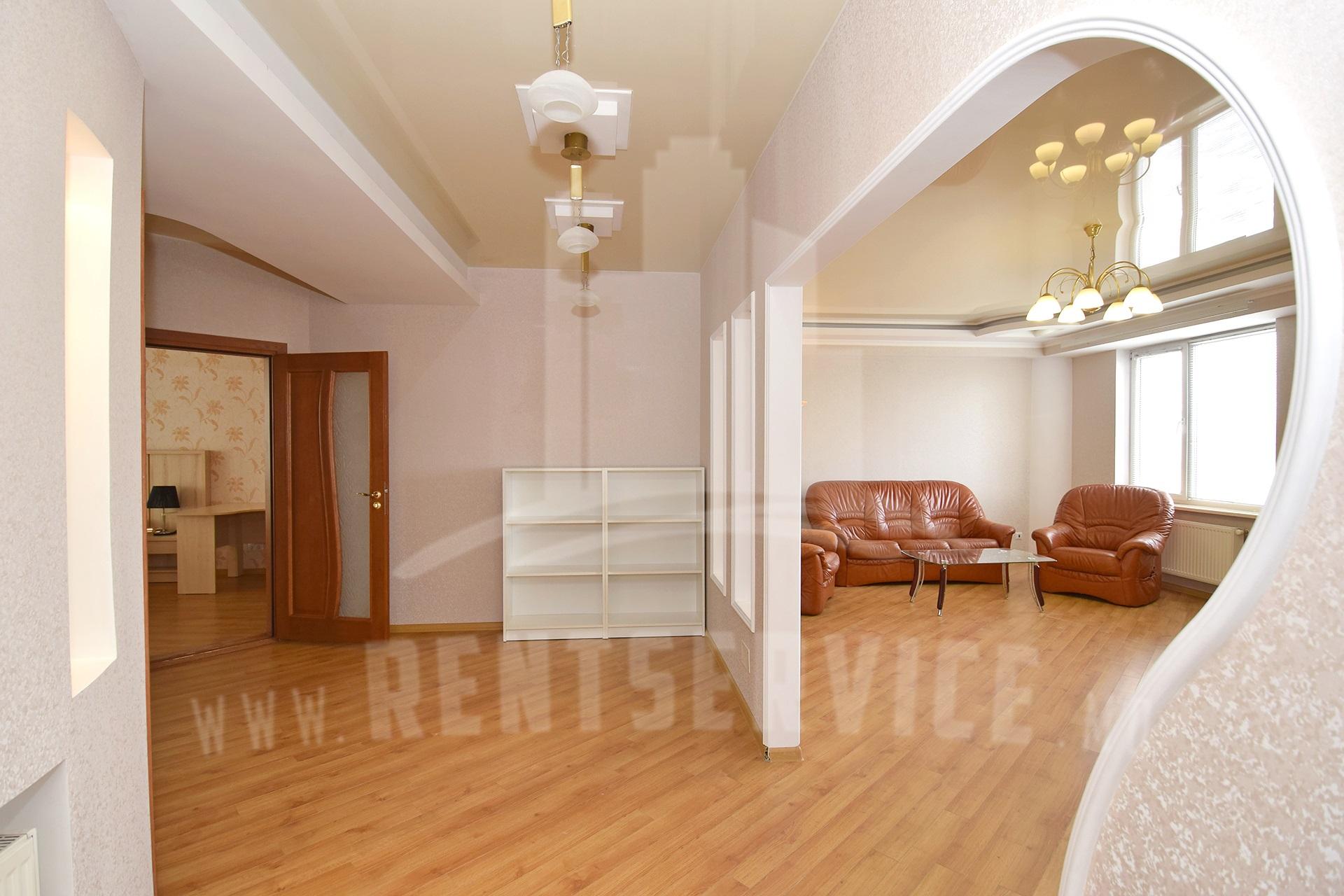 211_apartment_2.JPG