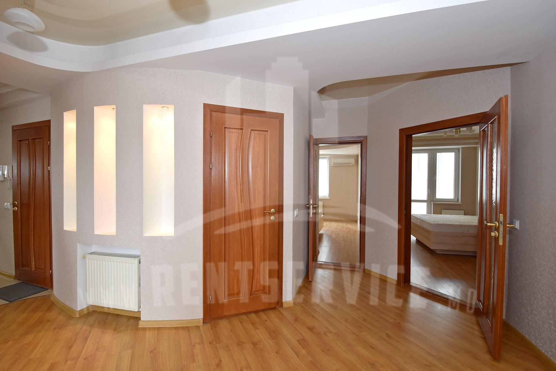 211_apartment_3.JPG