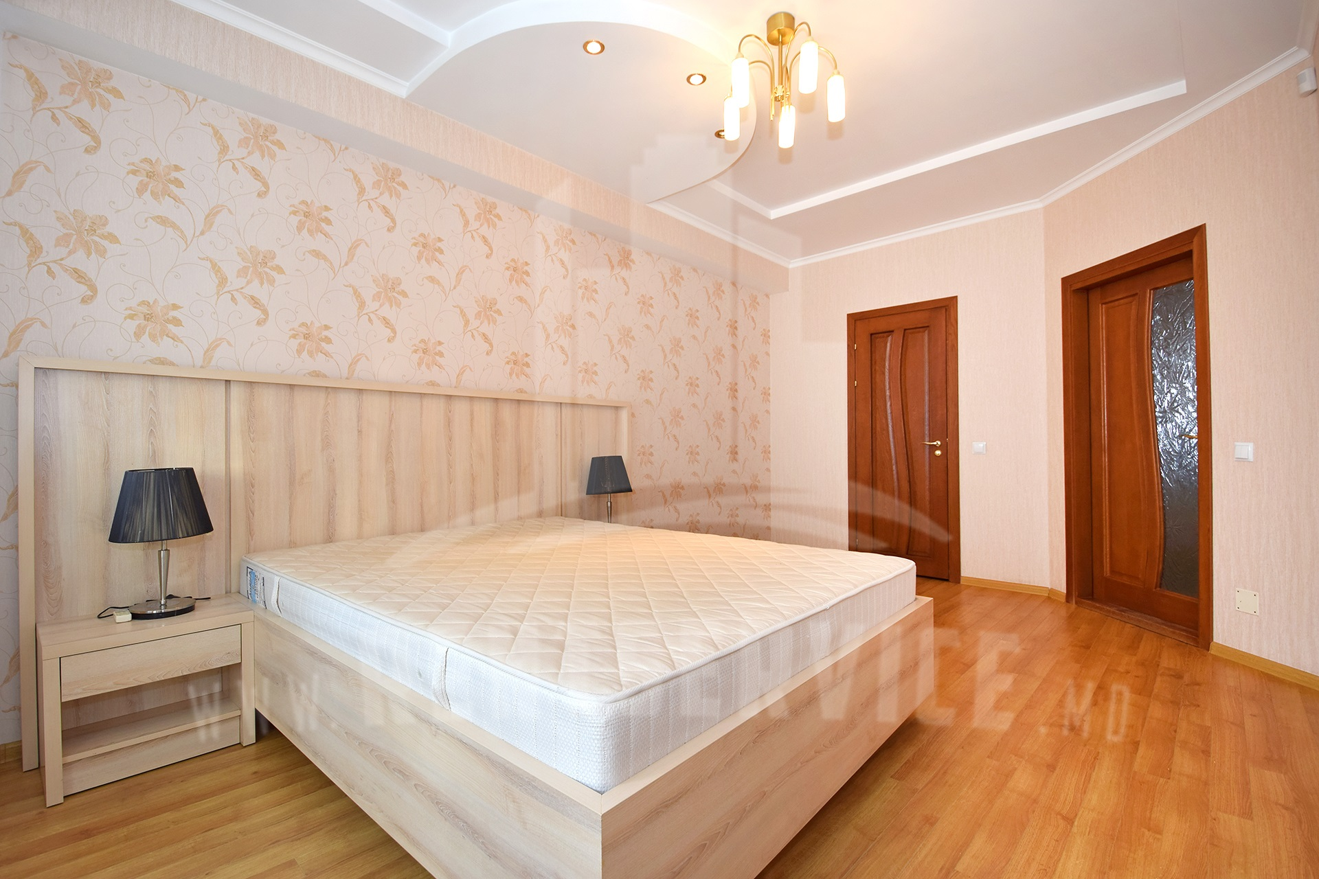 211_apartment_9.JPG