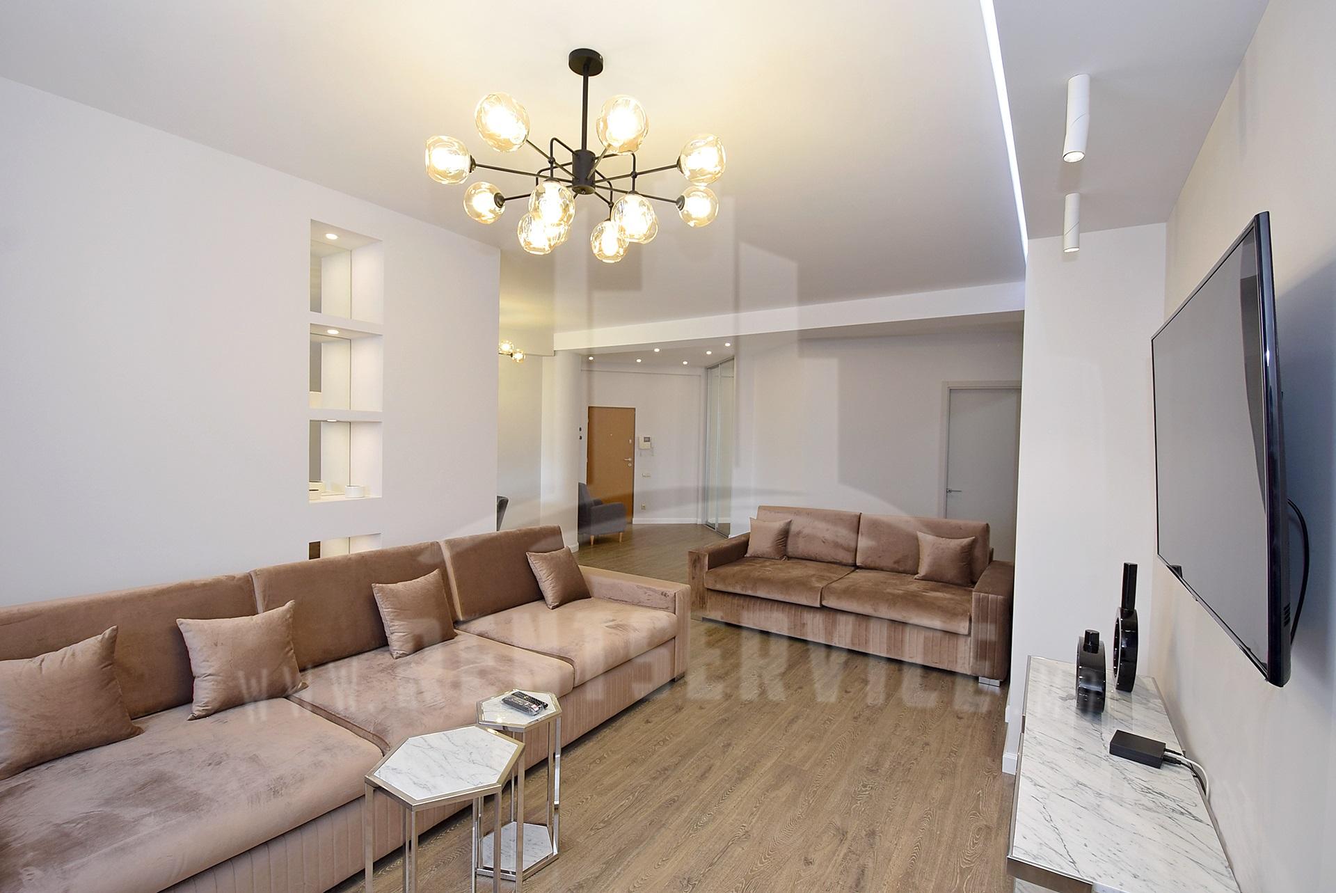 285_apartment_1.JPG