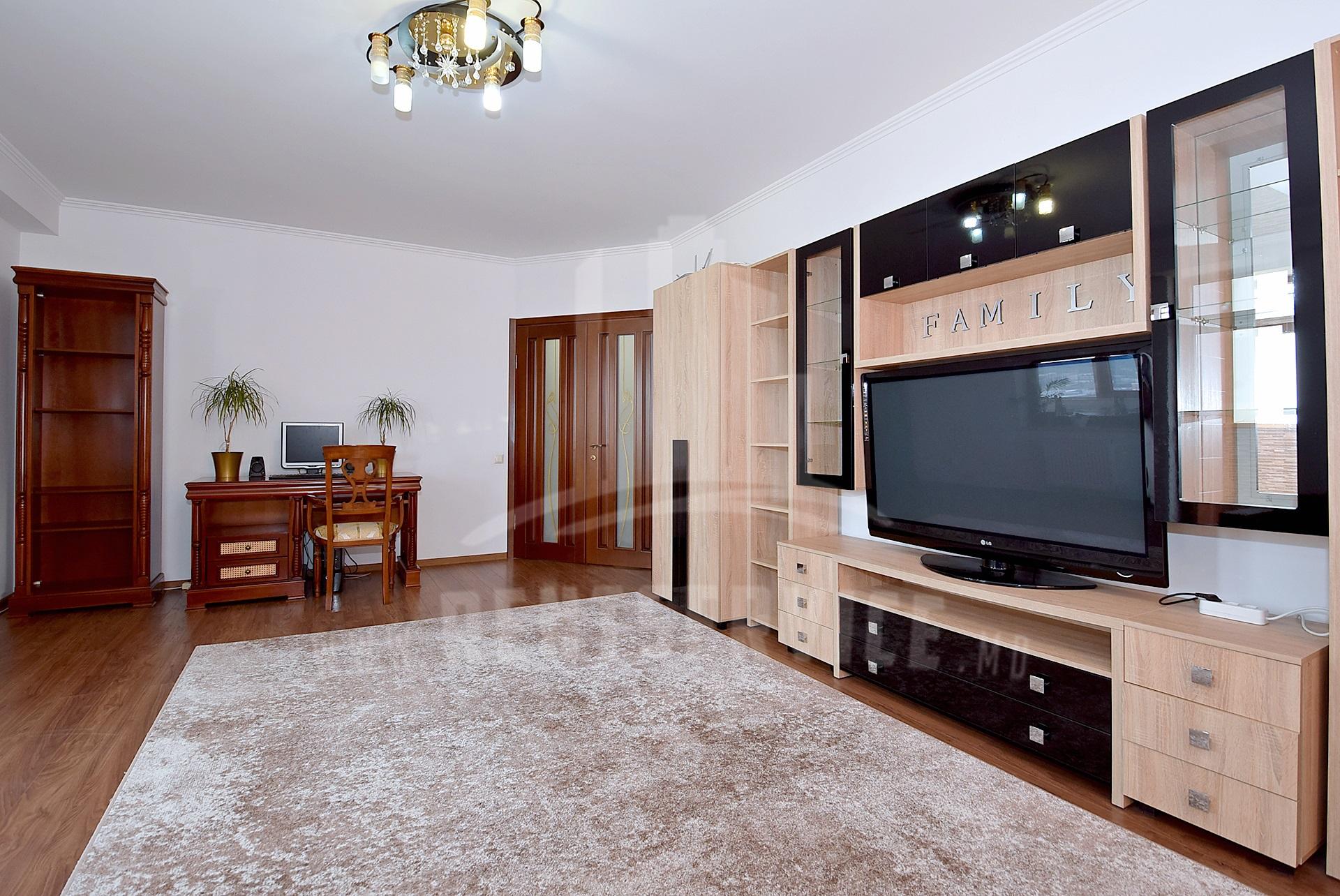 287_apartment_3.JPG