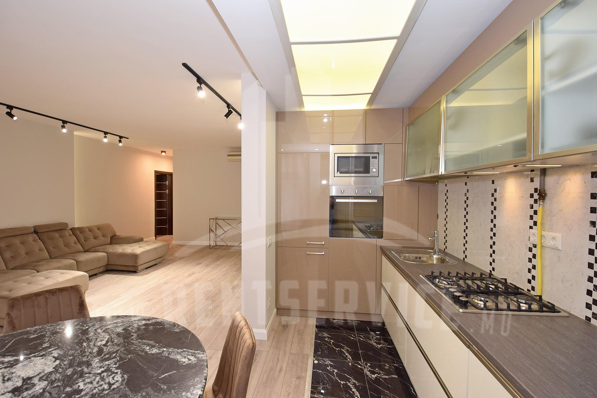 291_apartment_2.JPG